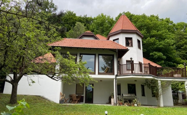 Villa mit Einliegerwohnung mit wunderschönem Blick über Gablitz