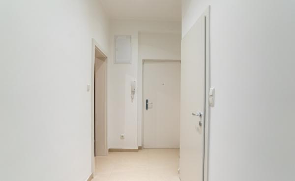 Traumhaft modernisierte 2 Zimmer Wohnung – Erstbezug nach der Renovierung